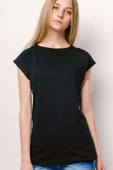 Однотонная удлиненная футболка KLERY